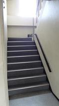 新館に上る階段