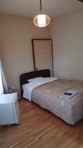 本館シングルベッド2
