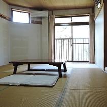 *【お部屋】和室10畳。純和風で落ちつく雰囲気です。