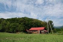畑の中の築80年の古民家を改装しました