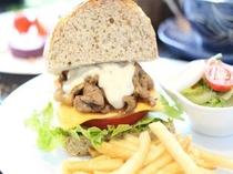 ブランド豚のアグー豚のクラブサンドイッチ