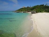 ホテル付近の美しいビーチ