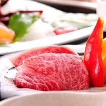 ■【夕食一例】味だけではなく器にもこだわった見目麗しきワンランク上の料理をご堪能ください。