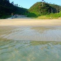 *【下田九十浜】波も穏やかでプライベート気分を味わえる海水浴場。