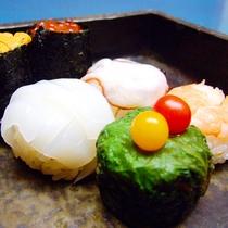 *お料理一例 手鞠寿司 可愛い一口サイズのお寿司で様々な味をお楽しみください。