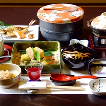 *【和朝食】一例  こだわりのボリュームと朝も手を抜かず彩り豊かなお料理をご提供しております。