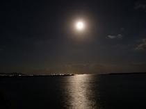 中秋の名月と石垣島の夜景