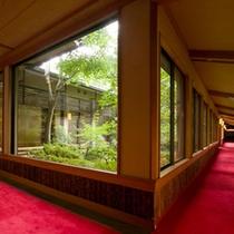 ●離れ客室 廊下