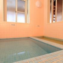 *【男性用大浴場】十和田湖温泉につかって、体も芯からあたたまります。