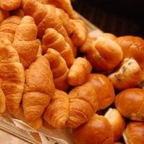 「VIKING(洋)」焼き立てパン
