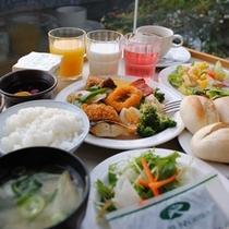 ☆バイキング朝食