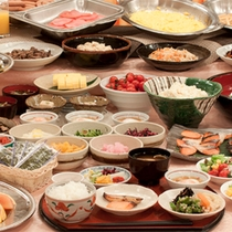 朝食(約60種類のバイキングメニュー)