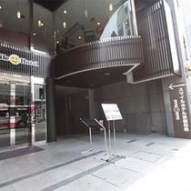 スマイルホテル京都四条 エントランス