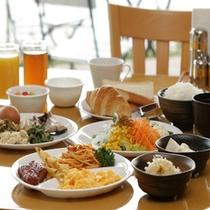 【朝食】盛り付け①