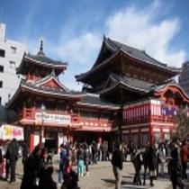 【大須観音】ホテルから車で約40分。日本三大観音の1つとも言われる観音霊場である。