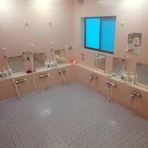 *<大浴場>当館の大浴場に使用しているお湯は「麦飯石」を利用して沸かしています。