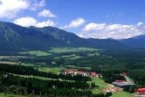 スキー場からのホテル全景