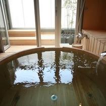 半露天風呂付「海のSuite」洋室【木/夕陽】 Room/No306 桶風呂
