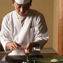 お寿司屋さんの臨場感をお楽しみ下さい