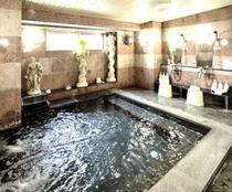 【男性専用大浴場】大きなお風呂でゆったりリラックス&リフレッシュ!旅の疲れを癒して下さい。