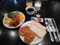 朝食(洋食盛付例)