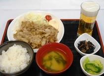 夕食(豚の生姜焼定食)