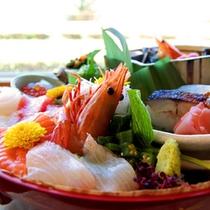【浜の宝箱(一例)】小浜へ来たならランチは海鮮で決まり♪新鮮な魚介がたっぷり!!