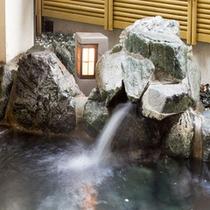 *、「 四万( しまん )の病を治す霊泉 」単純泉の優しい温泉