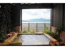 天橋立を眺めながら潮風の爽やかな露天風呂