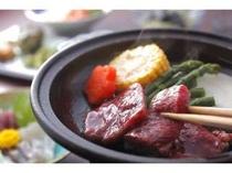 会席料理の陶板焼き