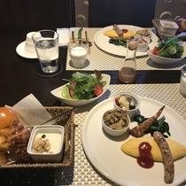 *[Breakfast一例]地場食材をたっぷり使ったフレッシュなご朝食をお召し上がり下さい