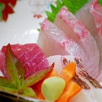 ■お料理一例■新鮮なお刺身。島ならではの珍しい魚に出会えるかも!
