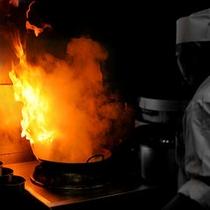 【中華料理シェフ】しらさぎの厨房には3人のシェフが腕を振るいます。