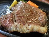A5ランク米沢牛ステーキの焼き上がり