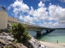 美ら橋から徒歩3分の古宇利大橋とビーチ