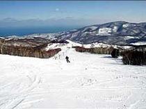 【朝里川温泉スキー場】ファミリーから上級者まで楽しめる変化に富んだゲレンデ