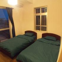 二階洋室10.5㎡です。