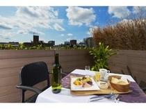 天気の良い日はテラスで朝食を/プレミアム