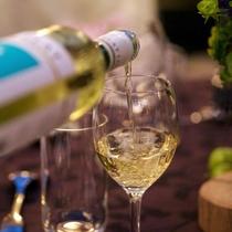 シェフおすすめの白ワインで華やぐ大人旅。(プランイメージ)