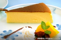 女将の手作りチーズケーキ©kashikiri-onsen.com