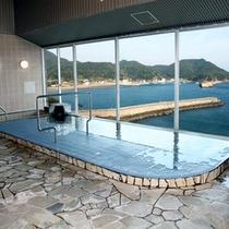 <展望大浴場>本館最上階(4F)にある絶景の展望風呂です☆