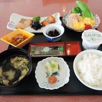 <朝食>目覚めのからだにやさしい和定食をご用意いたします。