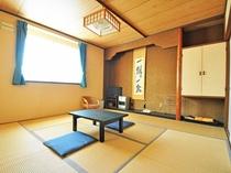【客室】和室のお部屋です。のびのび、ゆったりとお寛ぎください。