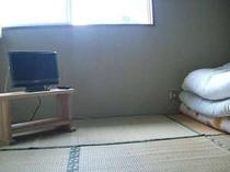 【客室一例】エアコン・暖房機・布団一式を用意