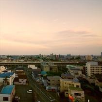新幹線が見えるお部屋も♪浜松駅徒歩圏内。
