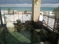 露天風呂からの日本海(雪景色)