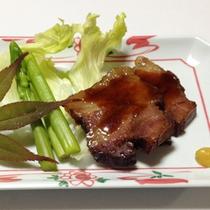 <夕食一例>家庭的な手作り料理をご用意致します。