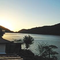"""◎部屋からの景色◎""""おしどり池""""を一望!静かな湖畔で癒しの時間。"""