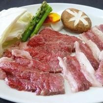 *米沢牛/山形が誇るブランド牛「米沢牛」。しっとり柔らかく脂身まで美味しく頂けます。