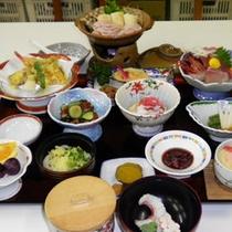 *【夕食(全体例)】当館人気のきりたんぽ鍋が付いたスタンダードコース。